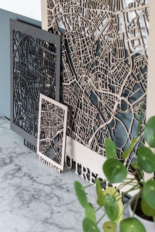 Citymaps Utrecht 50x70cm MDF, Leiden 30x40cm Zwart MDF, Rotterdam 14,8x21cm MDF